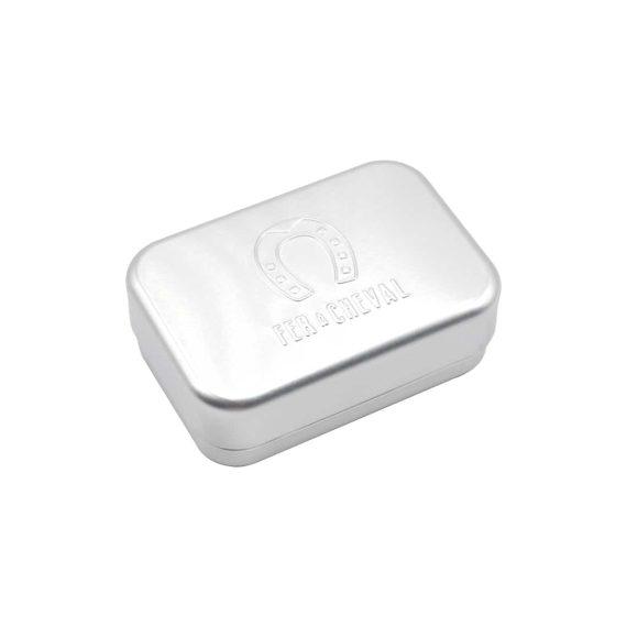 Caja metálica de jabón con soporte para viajar