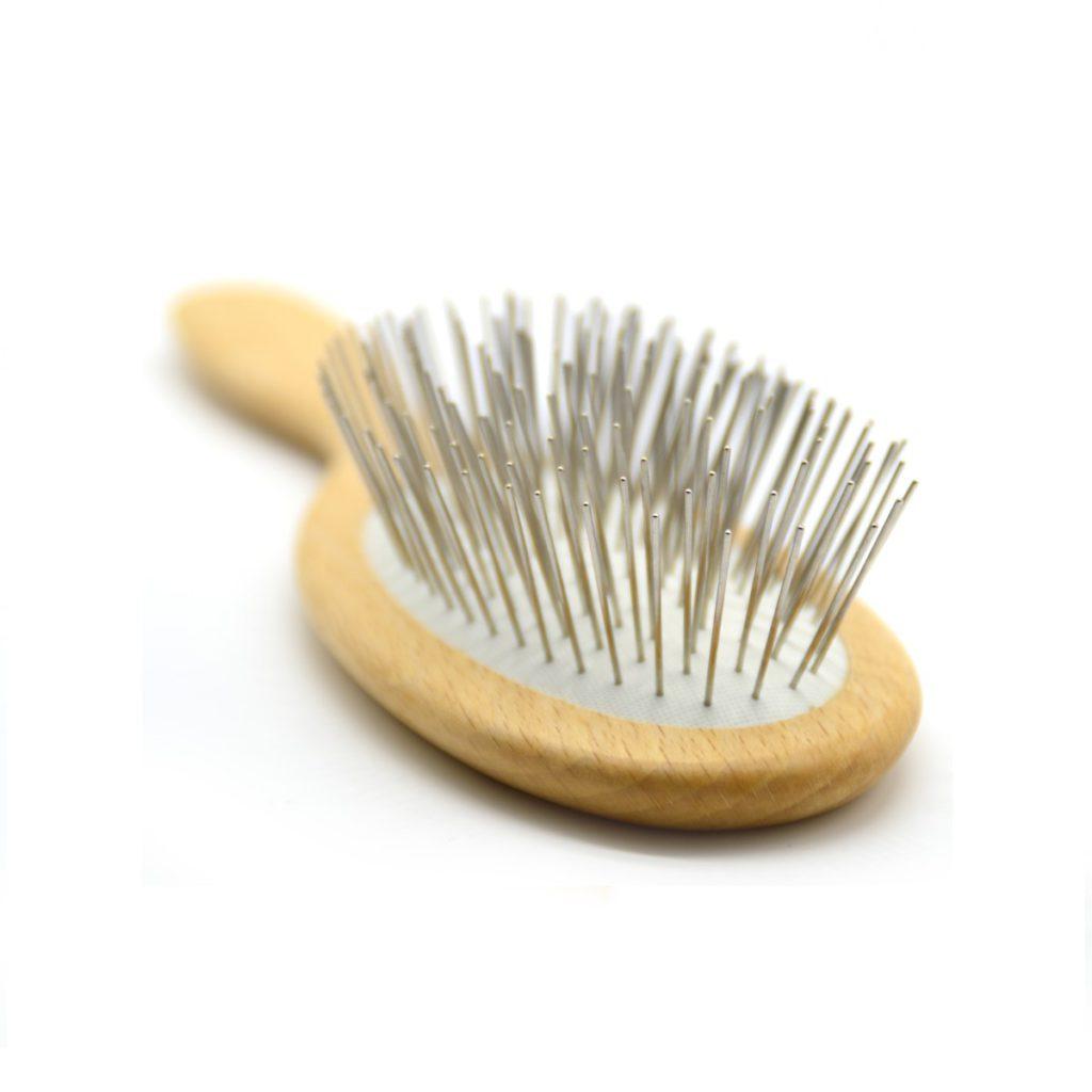 Cepillo de pelo de púas metálicas detalle