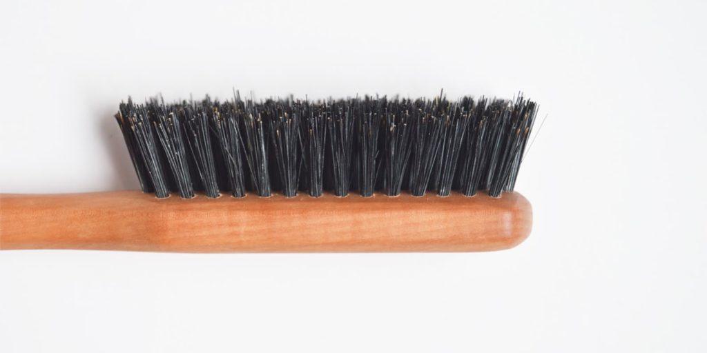 Detalle del cepillo de pelo de viaje