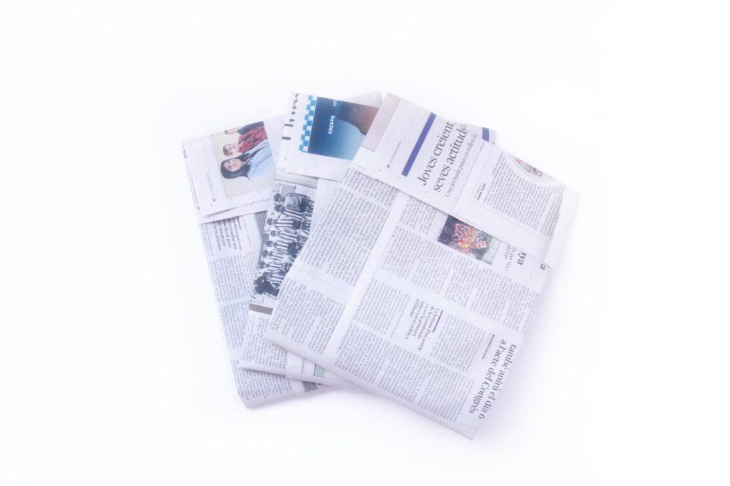 Bolsas de basura de periódico