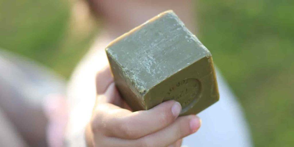 Jabón-Marsella-cubo
